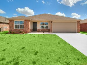 Beautiful 3 beds 2 baths home for rent in Mustang