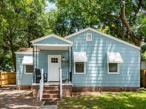 Fully furnished 3 beds 1 bath home for rent in N. Charleston
