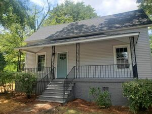 Newly Renovated 3 bed 2 baths for rent in Greenville