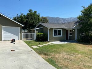 Beautiful 2 bed 2 bath house for rent in Altadena