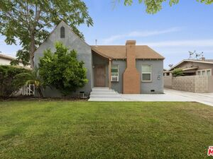 Beautiful 2 beds 2 baths house for rent in Glendale