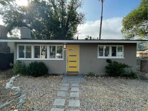 Beautiful 2 beds 1 baths house for rent in Los Angeles