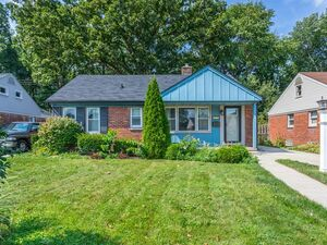 Beautiful 3 beds 1 baths house for rent in Dearborn
