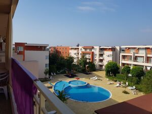 VIDEO! Studio with pool view in Nessebar Fort Club