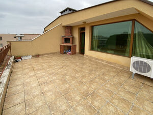 Top floor apartment, 92 sq.m., with large terrace with BBQ