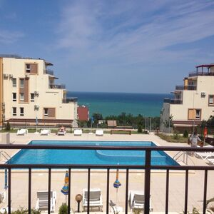 Furnished studio apartment in Byala, with sea view.
