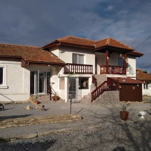 Newly refurbished house in Yagnilo - 45 min drive to Varna