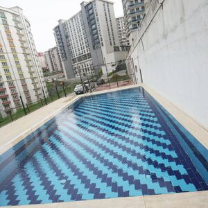 2+1 apartment for sale with swimming pool in Beylikduzu Ist