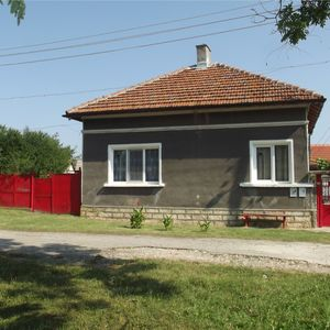 Nice rural property with annex and land in a quiet village
