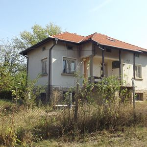 Old rural property with big yard,nice views & brand new roof