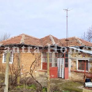 House for sale in the village of Varzulitsa