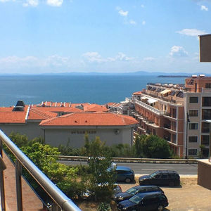 Studio for sale in a residential building in Saint Vlas