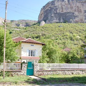 Country house located in very scenic area for rent