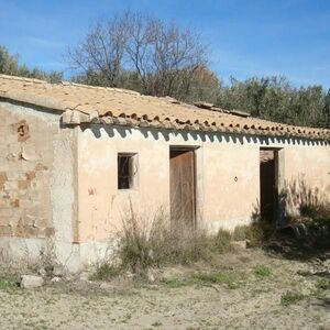 Little rural hideaway with an olive grove.MKTFTJ22