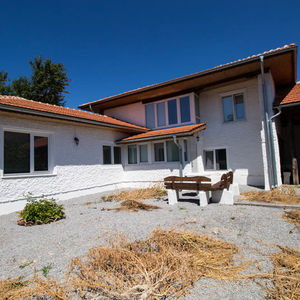 Renovated 4-bedroom house near Shumen - Free Online Viewings