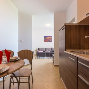 CHEAP APARTMENT ON FIRST LINE