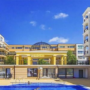 TOP!New one bedroom apartment near the beach in Saint Vlas