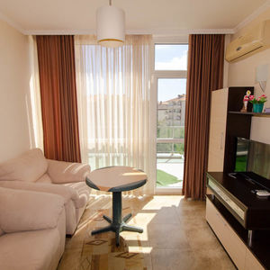 Sea View 1-BED apartment, 400 m. to the beach in Belvedere