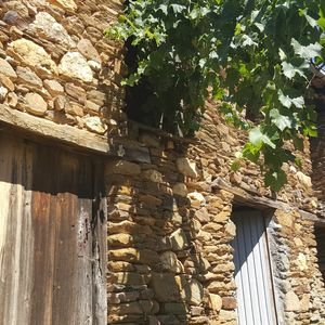 stone building with over 1000sqm land Central Portugal