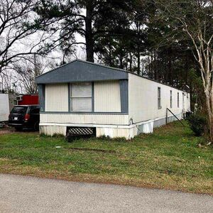 Spacious 3 bed 2 baths home for sale in Huffman