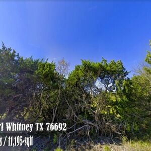 A secluded lot in a gated community, in a great location